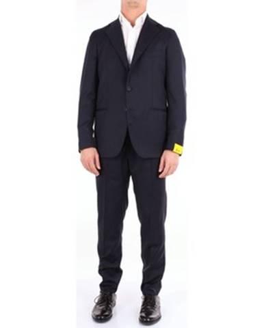 Modrý oblek Gabo
